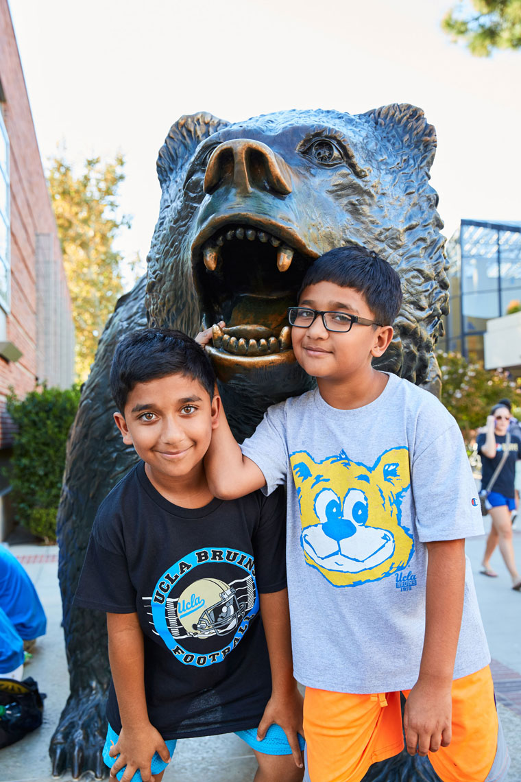151030_UCLA_PARENTS_2C1B2059_OG